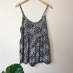 Honolua Wahina | Floral Pattern Romper Small B&W